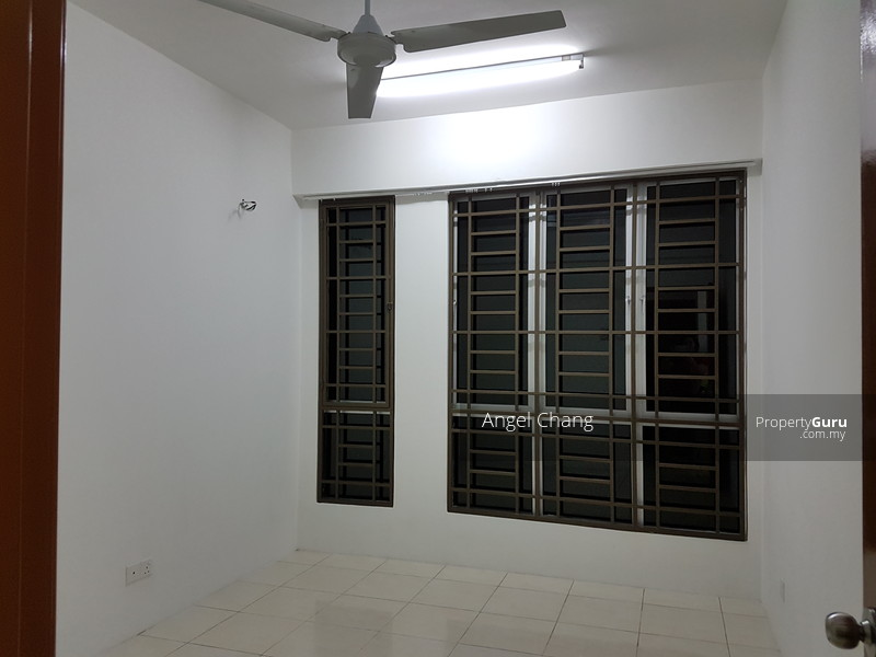 http://n3.datasn.io/data/api/v1/n3_chennan/apartments_for_rent_in_malaysia/by_table/apartment_image_access/26/3c/88/68/263c8868fb5115650620ccd797b55a5941e6b5a4.jpg