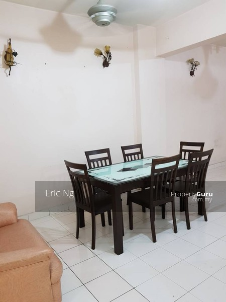 http://n3.datasn.io/data/api/v1/n3_chennan/apartments_for_rent_in_malaysia/by_table/apartment_image_access/8e/ed/8a/b1/8eed8ab137b7d99b0df4afdb49aa9f7442a78ef1.jpg