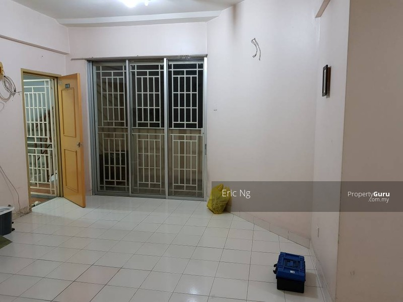 http://n3.datasn.io/data/api/v1/n3_chennan/apartments_for_rent_in_malaysia/by_table/apartment_image_access/a5/7d/eb/79/a57deb79bb00fa3086917338a155533016e18204.jpg