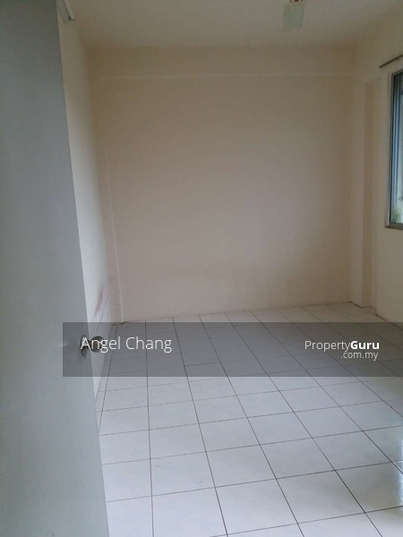 http://n3.datasn.io/data/api/v1/n3_chennan/apartments_for_rent_in_malaysia/by_table/apartment_image_access/cc/2e/a4/03/cc2ea4031a55ee9d81cab0673a6dab8278e73aa5.jpg