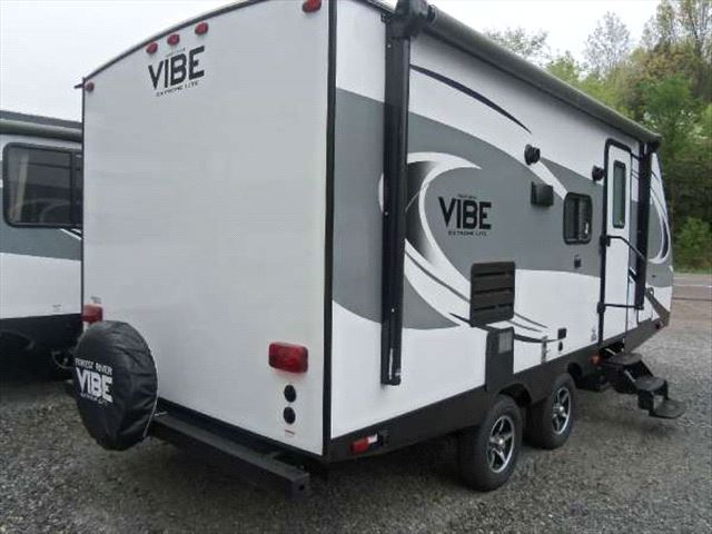http://n3.datasn.io/data/api/v1/n3_lyz/cars_and_powersports_vehicle_and_motorcycle_and_boat_14/by_table/rvs_camper_image_access/03/ed/eb/19/03edeb19216dd86bd559c2e74735066a0e5d77ba.jpg